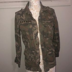 Skyes the Limit Womens Camouflage Cargo Jacket